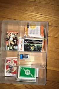 100+ trading cards (included Autographed Lawrence Taylor) card