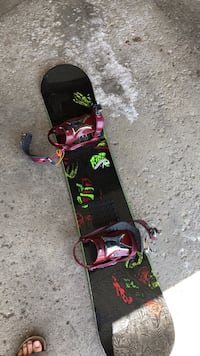 Ride Kink Snowboard with ride bindings Palatine, 60067