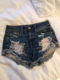Jean shorts with lace Toronto, M6G 2Y5