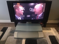 Insignia 42 with side speakers on tv all working with tv stand (missing tv remote)for 100 or best offer Toronto, M9N
