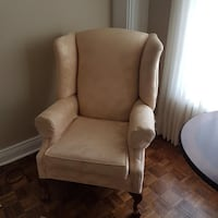 Chippendale ball in claw chair Brampton, L6Z 4B7