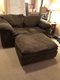 2 love seats,  chair and an ottoman Upper Marlboro, 20772