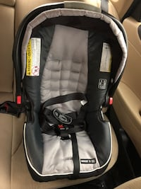 Graco SnugRide 35 Infant Car Seat  Lake Forest, 92630