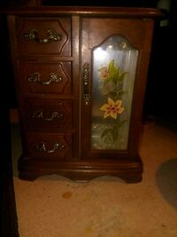 Wooden Tabletop jewelery Box with mirror  Albuquerque, 87105