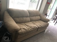 Brown leather couch Markham, L6G