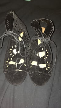 Pair of black open-toe ankle strap sandals haven't wore them size 7 Victoria, V9A 1W7