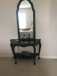 Black wooden vanity table with mirror New Tecumseth, L9R 0P8