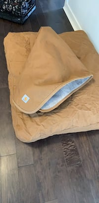New carhart dog bed and blanket   Surrey, V3Z 5K3