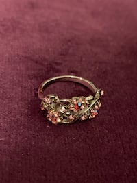 Size 5 ring new Vancouver, V5R 4E5