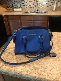 Beautiful, barely used Michael Kors purse. Originally purchased for 599 about a year ago. Waco, 76706