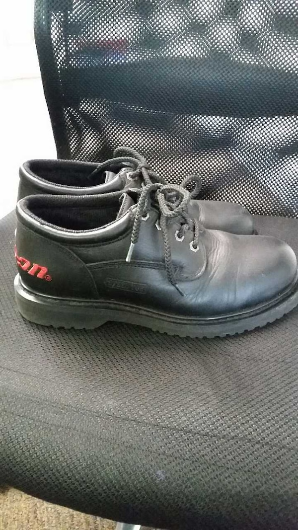 5782556e523 Snap-on steel toe work shoes