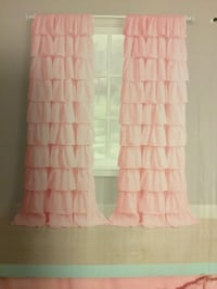 Ruffled Curtain Set (new) MIDDLE CITY WEST, 19103