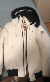 MOOSE KNUCKLES BALLISTIC BOMBER WHITE W/BLACK FUR (MENS MEDIUM)