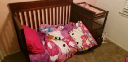 crib/daybed with changing table