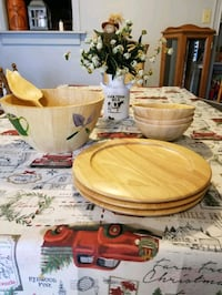 Wooden serving salad bowl, plates, bowls Hagerstown, 21740