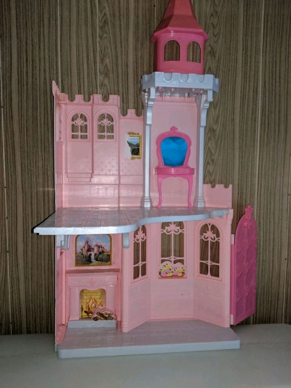Used White And Pink Wooden Dollhouse For Sale In Oshawa Letgo