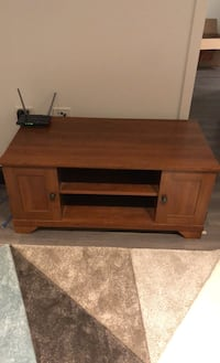 TV Stand/Media Console Chicago, 60610