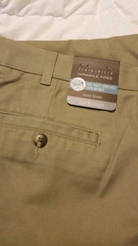 Men's Van Heusen dark khakis 34x29 Pitt Meadows, V3Y 1H4