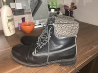 pair of black leather boots Kelowna, V1Y 1S3