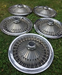 "15"" wire spoke hubcaps 5 Available"