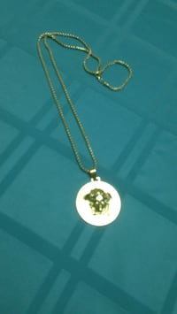 gold chain necklace with heart pendant Germantown, 20874