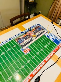 Vintage electric football game .