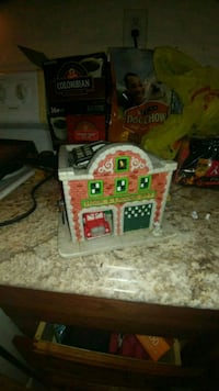 Party lite fire station candle holder Scranton, 18505
