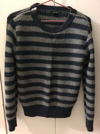 F21 sweater - size S Winnipeg, R3B 0K8