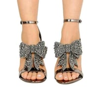 women's pair of brown leather sandals Gramercy, 70052