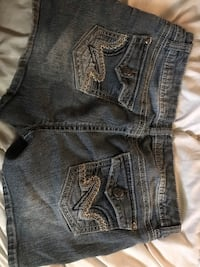 Size juniors/misses 17 jean shorts Lancaster, 93536