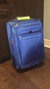 Carry on size suitcase Baltimore, 21224