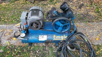 Emglo 220v wheel barrel air compressor