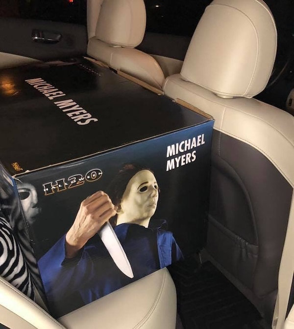 BRAND NEW Life Size 6' Tall Micheal Myers!!