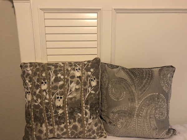 Used Pier 1 Imports Decorative Pillows For Sale In Lewisville Letgo