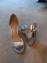 Pair of silver Steve Madden Pumps. Worn once for a wedding. Size 6! Manassas, 20112