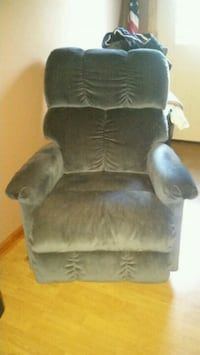 Blue recliner Knoxville, 37914