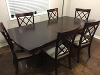 Full dining set with 6 chairs and removable middle piece dining table. Brampton, L6R 3J7