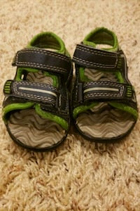 Toddler size 5 sandals green