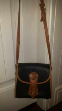 Excellent condition Dooney and Bourke crossbody  Richmond