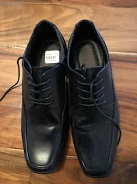 Men's black dress shoes, size 7 1/2.  Worn once. Paris, N3L 3S1