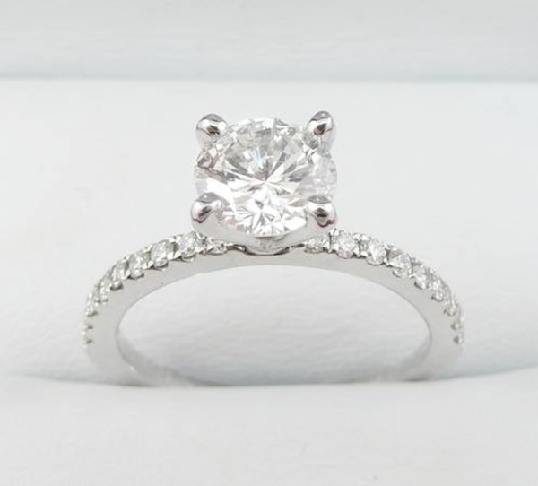 1.02ct Diamond set in 14K White Gold Engagement Ring af5c263f-6e65-4a01-9f05-b414298117d4