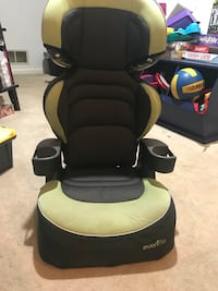 black and green Evenflo car seat Germantown, 20874