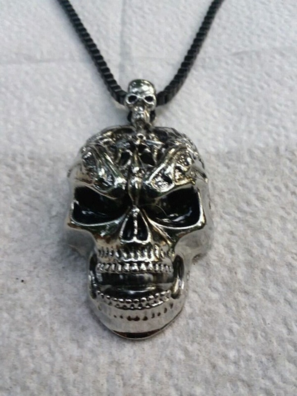 Stainless steel skull and necklace