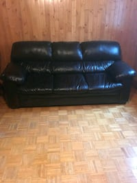 black leather 3-seat sofa Old Forge, 18518