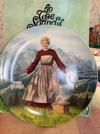 #1 Sound of Music hand painted plate with certificate of authenticity artist T. Crnkovich Council Bluffs, 51503
