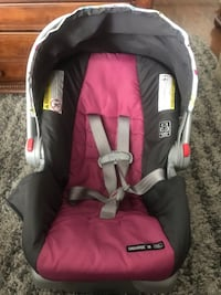 Graco carseat. Like new. Just used by grandma Brea, 92823