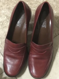 Pair of brown leather loafers Grand Prairie, 75052