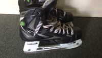 Men's Reebok size 9 men's ice skates London, N6A