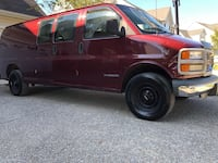 2000 GMC 3500 Savana Cargo clean title!! Franklin
