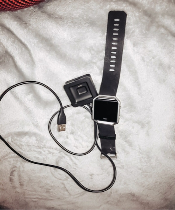 FitBit Blaze with Charger and Screen Protectors - LIKE NEW 3d1596d4-5a9b-4396-aa60-abe240b4adfc